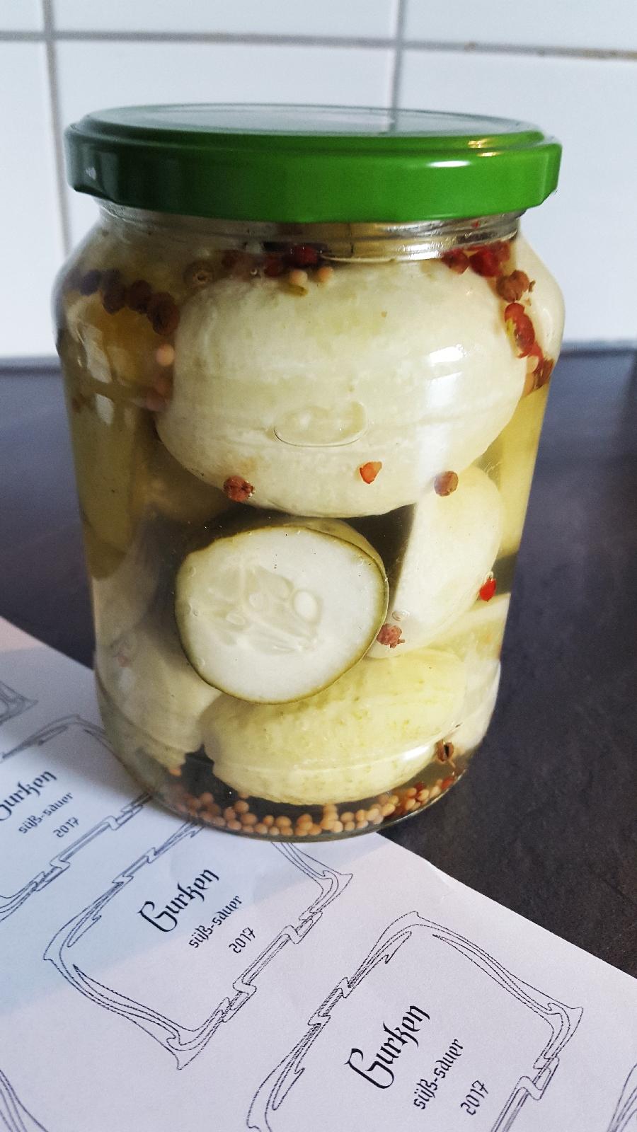 Einmachglas Zitronengurken