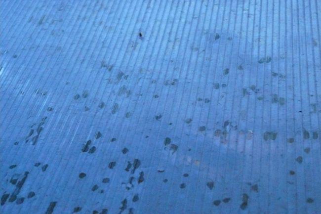 Hagelschaden am gewächshaus
