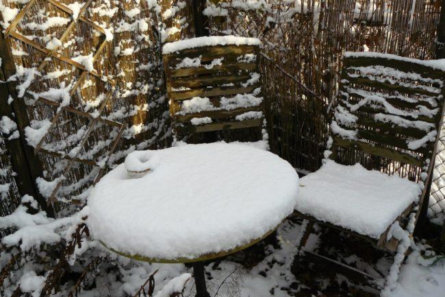 Schnee m Garten